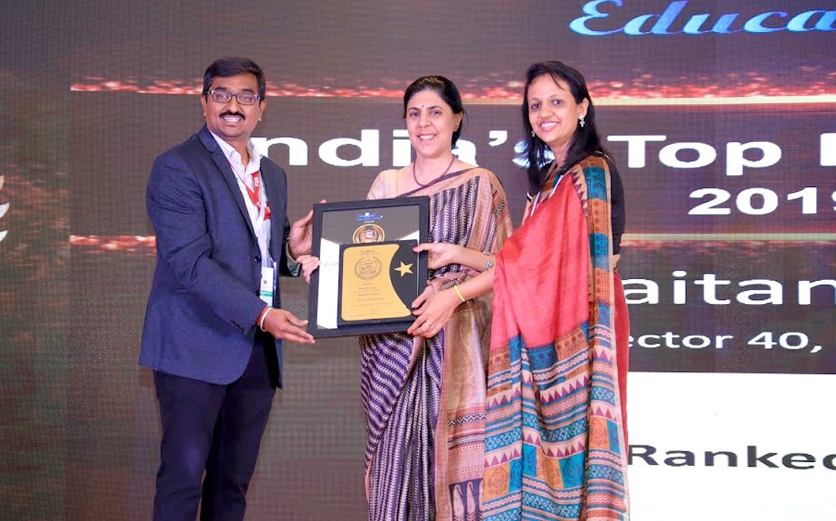 "Headmistress, Mrs. Nandini Malik receiving the ""India School Merit Award."